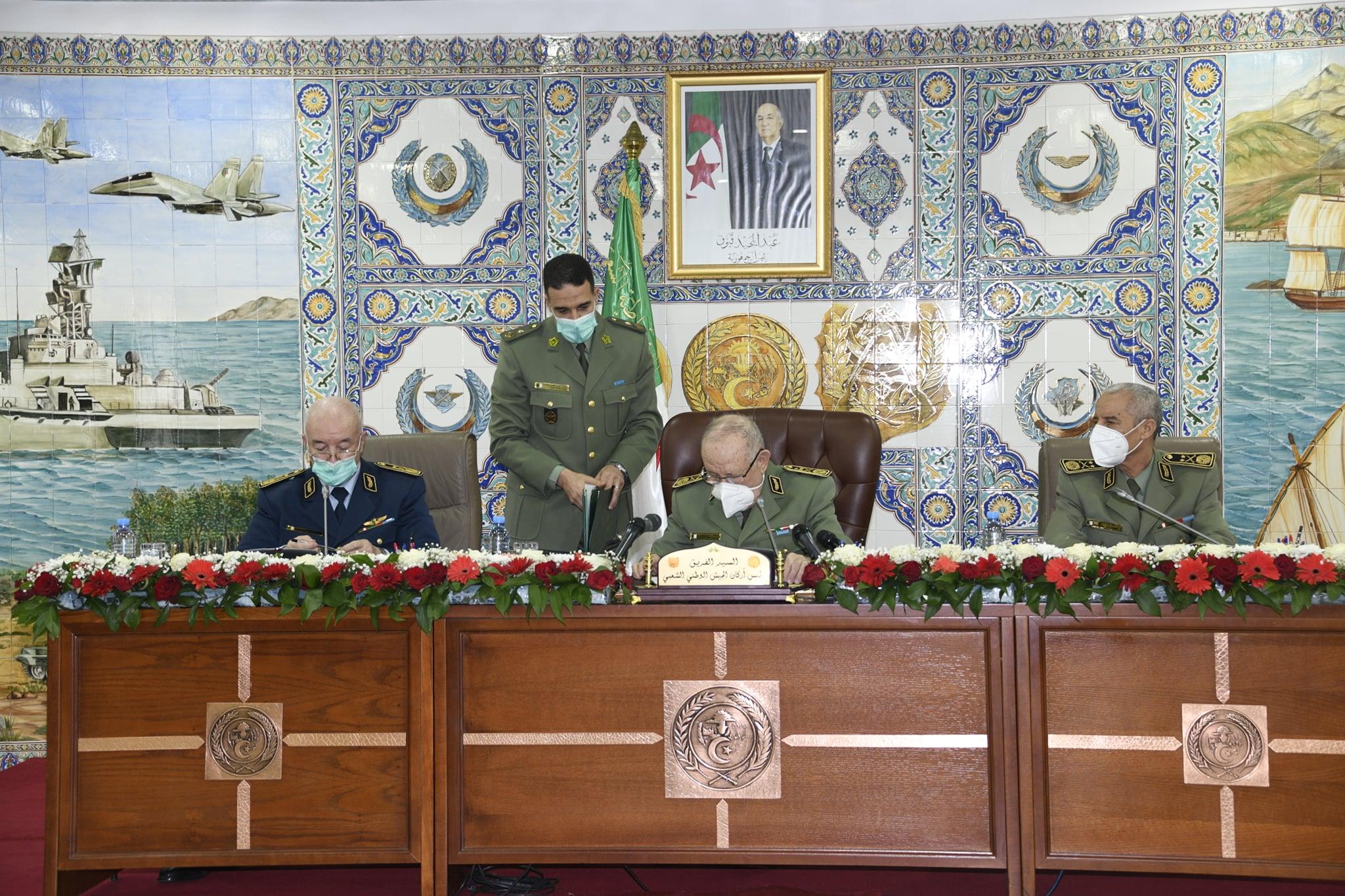 الفريق شنقريحة ينصب بن بيشة أمينا عاما لوزارة الدفاع
